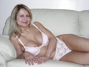 sexy Blondine lässt sich privat ficken