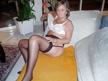 Sexgeile Rentnerin will gefickt werden