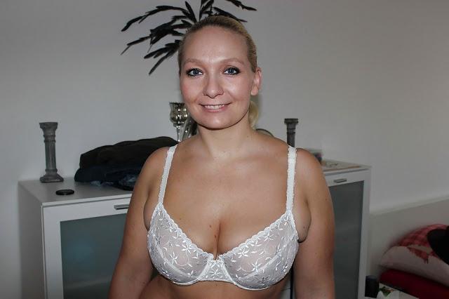 Reife Frau sucht tabulose Sextreffen
